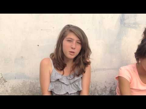 Colombian students introduce themselves and say what they like to do