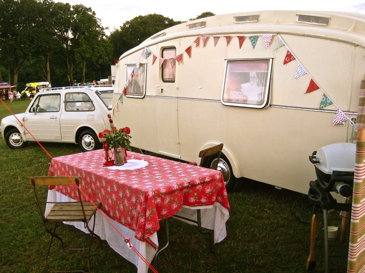 UniquePhotos, Glamping, Flags Banners, Vintage Trailers, Vintage Wardrobe, Colors, Camps, Happy Glamper, Vintage Campers