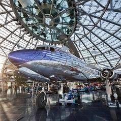 Flugzeugmuseum, Restaurant Ikarus, Bars, Kunst, Ausstellungen - Hangar-7