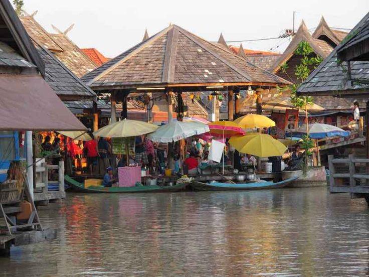 Pattaya Floating Market - by Andrey Terekhov :Flickr