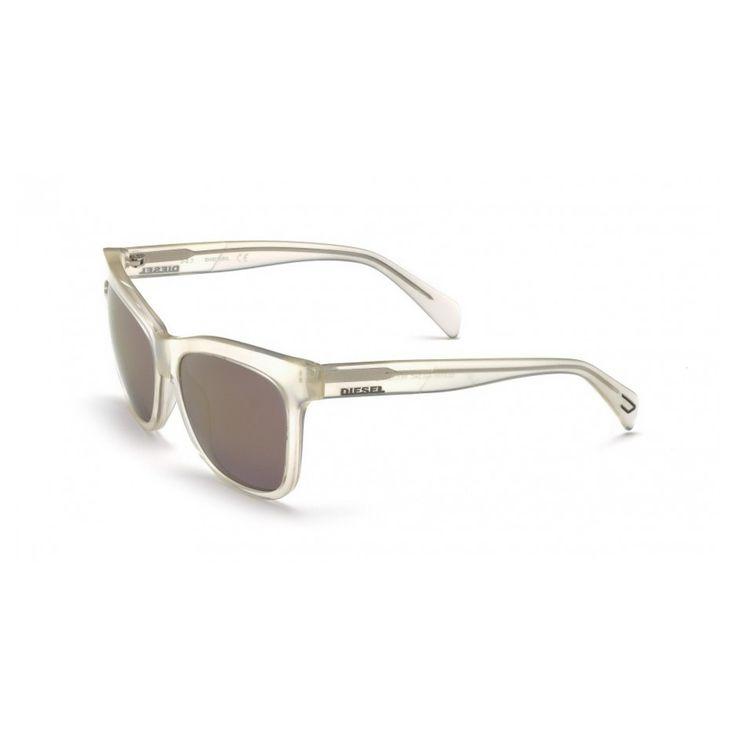Occhiali da sole Diesel – Montatura: acetato, pantografato – Lunghezza aste: 140 mm – Diametro lenti: 56 mm – Larghezza ponte: 15 mm – protezione UV 3 – confezione e custodia originale