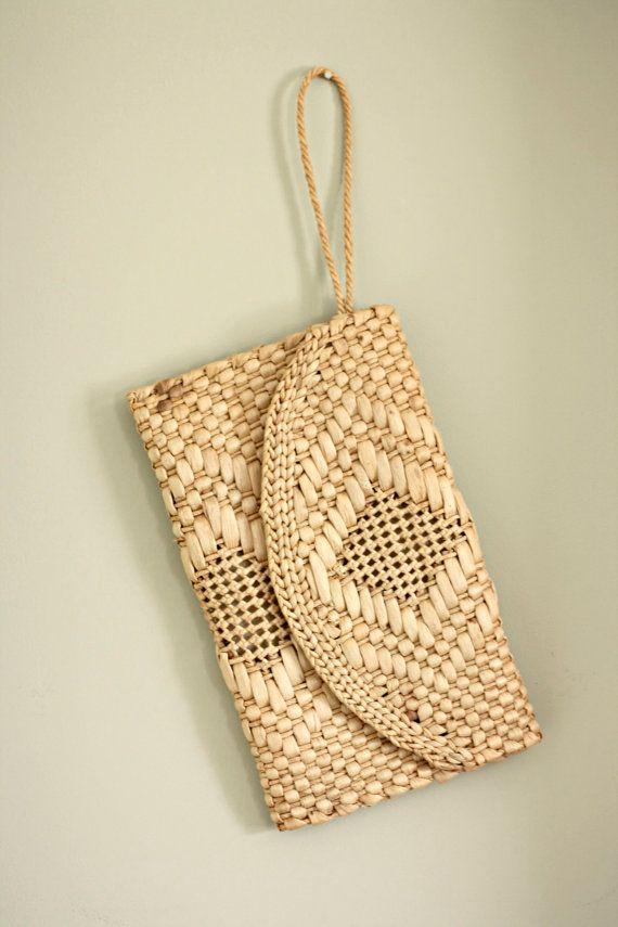 vintage/ straw clutch/ clutch/ straw purse/ wallet. $16.00, via Etsy.