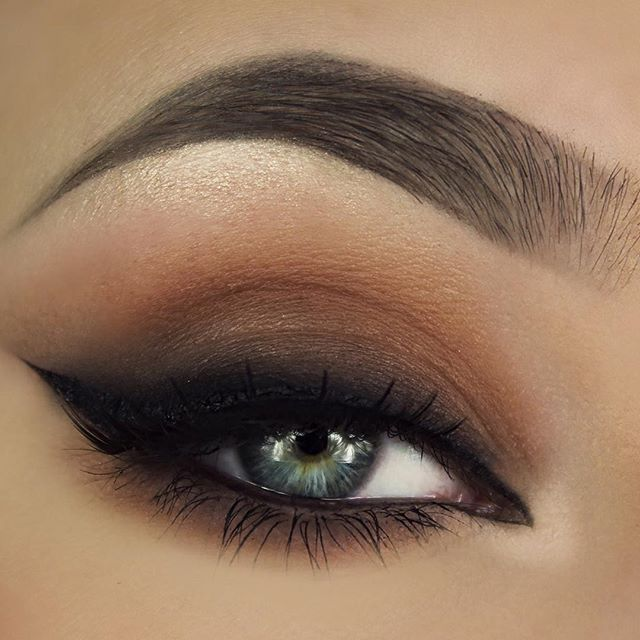 19 Incredibly Satisfying Images for Those Who Love Eyeliner