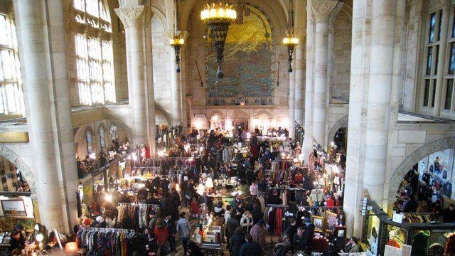 The Broklyn Flea's Skylight One Hanson indoor market: Bookstores, Newyork