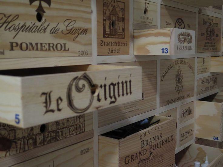 Gebrauchte Weinkisten, Schubladenmöbel, Sideboard