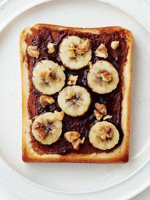 デーツとバナナのトースト ライ麦食パン1枚 バナナ1/2本 くるみ大さじ1 デーツバター大さじ1/2