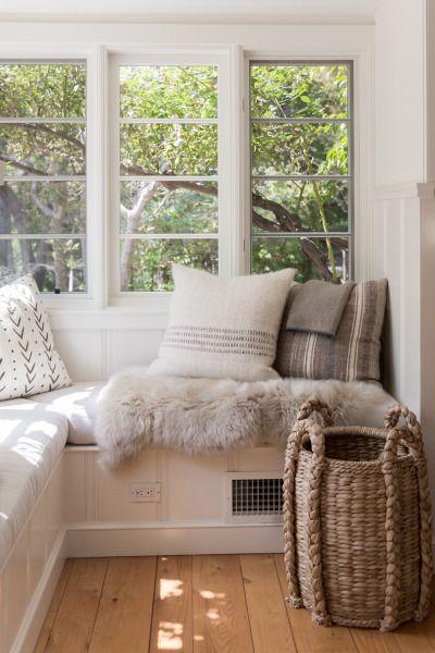 25 Best Ideas About Window Seats Bedroom On Pinterest