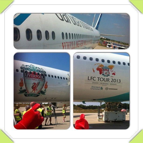 Pesawat LFC  dari Garuda Indonesia, #ynwa #lfctour2013