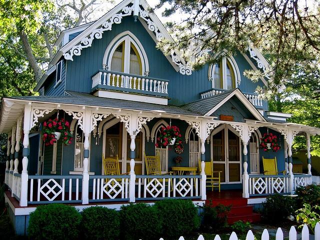Marthas vineyard gingerbread house 39 s love gingerbread for Martha s vineyard gingerbread cottages