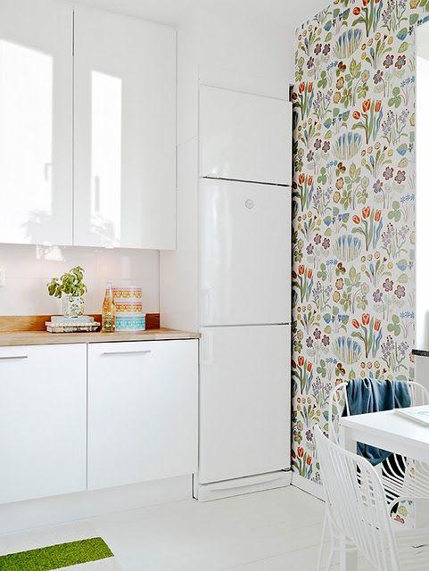 Kitchen + wallpaper