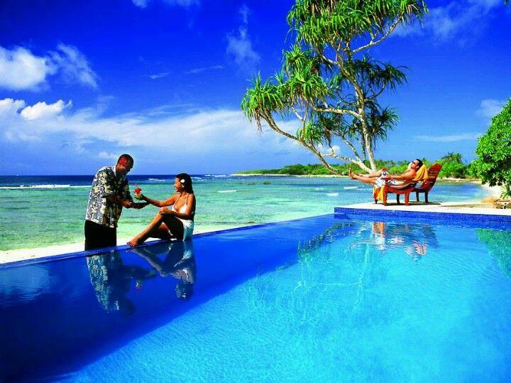 Breakas Beach Resort Vanautu