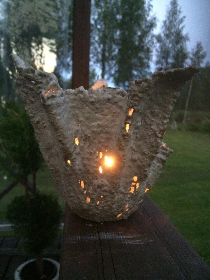 Pitsibetoni ja kynttilä