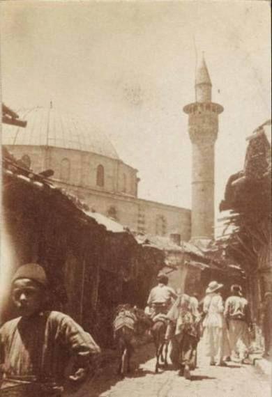 1919 Aintab.Harbin başları..(Solda Zencirli Bedesten.Karşıda Ali Dola Camii-bakırcılar çarşısının zincirli bedestene doğru çıkışı)