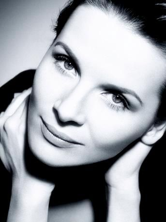 Google Image Result for http://wherestorymatters.files.wordpress.com/2010/05/juliette-binoche-1.jpg