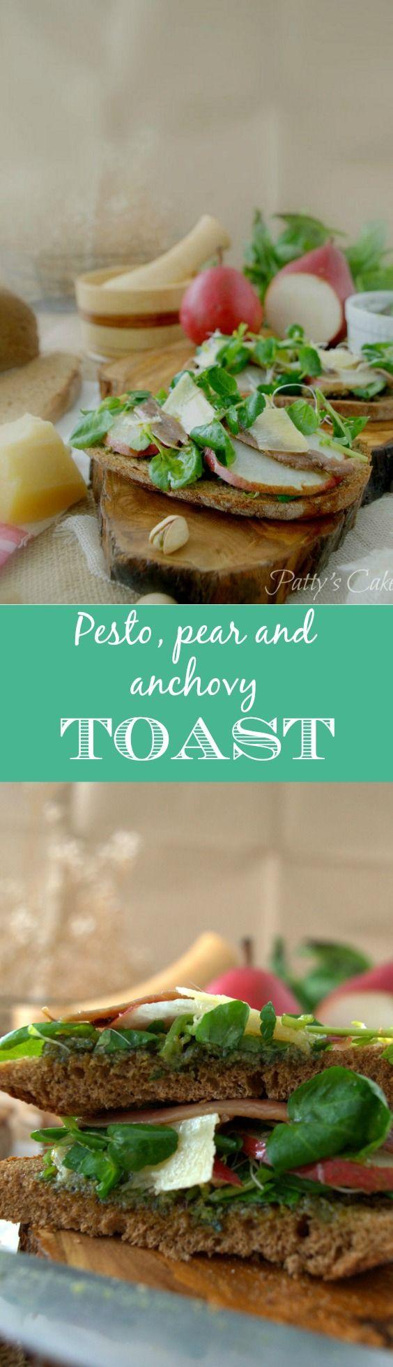 Pesto, pear and anchovy toast - A classy appetizer - English recipe included - Tosta de pesto, pera y anchoa