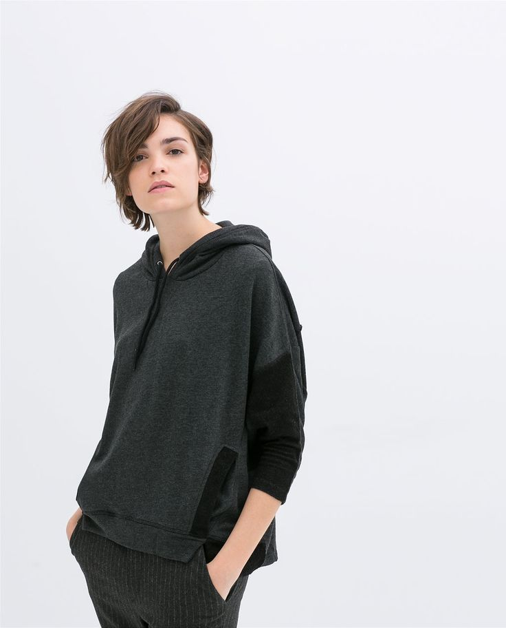 HOODED VELOUR CAPE WITH POCKETS from Zara >> 35.90