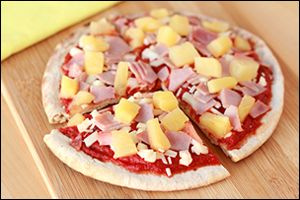 We LOVE pineapple #pizza!!!! And today, it's getting an HG makeover... #lowcal, high fiber, island-inspired YUM!