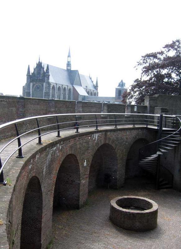 Den Burght, met de Hooglandse Kerk, Leiden