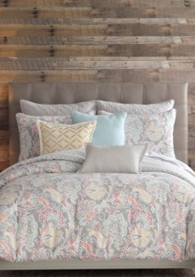 Floral motif, Decorative pillows and Quilt on Pinterest