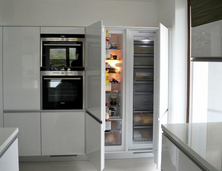 Vestavěné spotřebiče bílé kuchyně