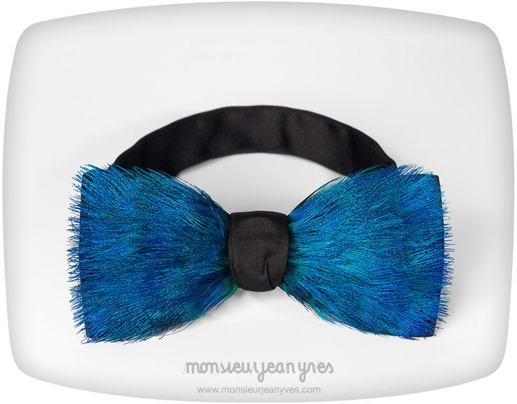 Luxury peacock feathers bow tie by Monsieur Jean Yves. Handmade in France.
