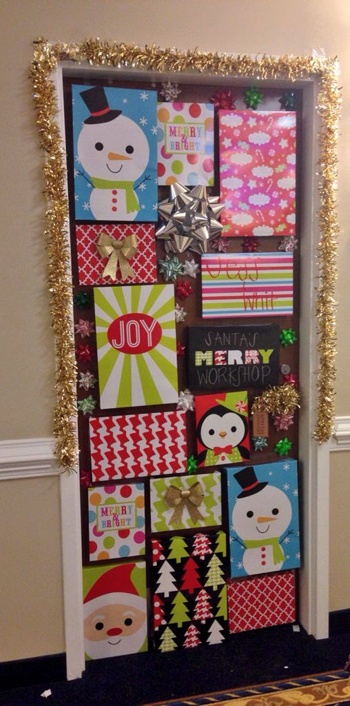Christmas door #dorm #college #christmas