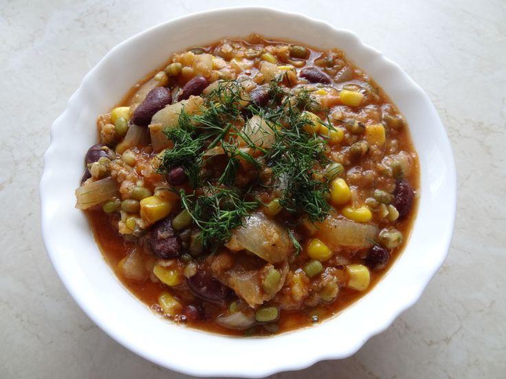 Zupa farmerska z fasolką mung, soczewicą, kukurydzą i czerwoną fasolą