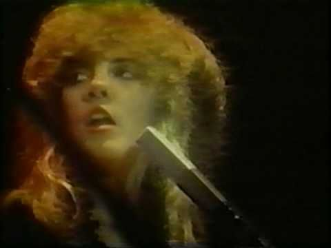 Fleetwood Mac ~ The Chain ~ Live 1979 If I were Nicki M. I wouldn't mess with Ms. Nicks :)