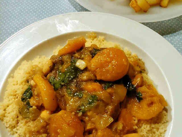 モロッコ風ラム肉とアンズのタジンの画像