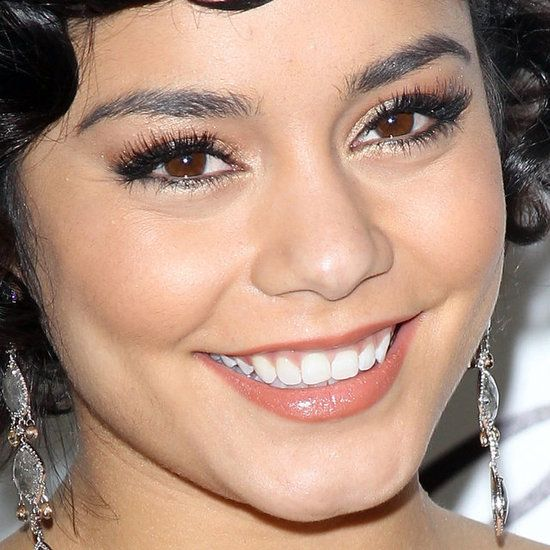 Vanessa Hudgens at the Oscars | Get the Look: Champagne Citrine Eye Shadow (http://www.purminerals.com/Pressed-Mineral-Eye-Shadow-Colors) with Golden Calcite Lip Gloss (http://www.purminerals.com/Pout-Plumping-Lip-Gloss): Citrine Makeup, Lips Gloss, Caramel Lipsticks, Vanessa Hudgens Makeup Natural, Eye Shadows, Carpets Beautiful, Beautiful Queen, Oscars Makeup, Vanessa Hudgens Oscars