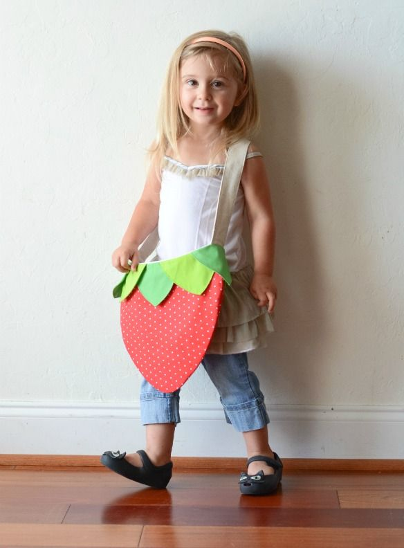 Remember when I posted this strawberry bag I made for Annie? Well, I finally have a pattern and tutorial ready. It's not just any pattern, it's my very first digitized pattern. I am super excited about that! No more hand drawn patterns…I feel so legit! Gather your supplies:1/2 yard of body fabric1/2 yard of lining …