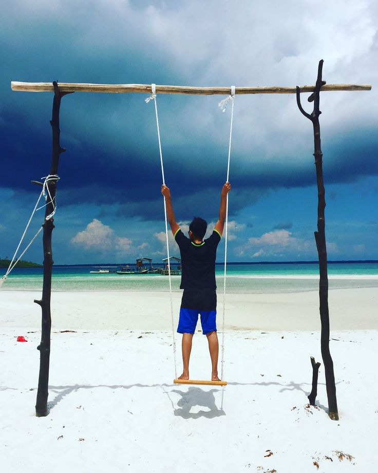Wooden Swing at The Beach... -Gusung Pasir Island- #swing #beach #traveling #travel #adventure #wijayas #nature #belitung #leebong