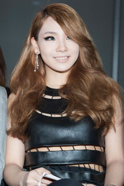 2NE1 CL ...her hair so pretty