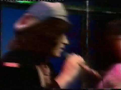 Hush - 'Glad All Over' 1975