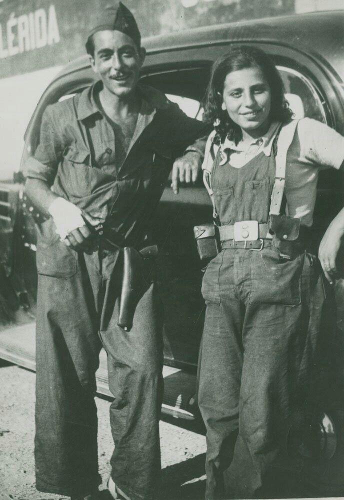 Spain - 1936. - GC - Pareja de milicianos de la CNT en Lleida, agosto de 1936.