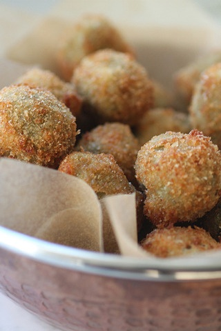 Spicy Cheese-Stuffed Fried Olives | Foods/Drinks I'd like to make | P ...