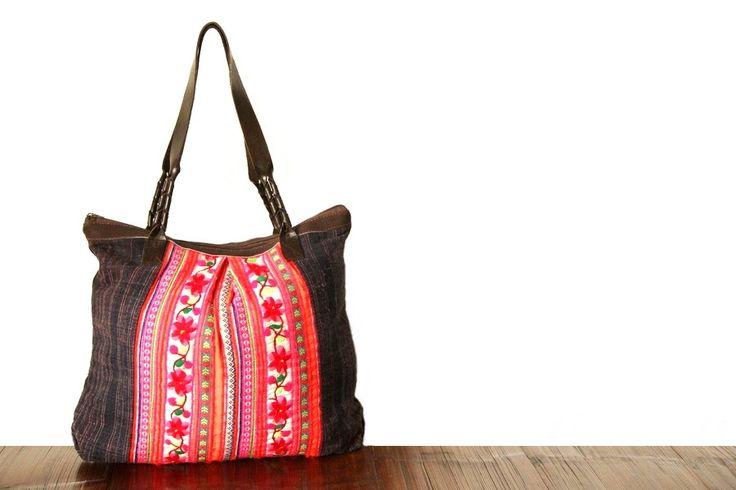 Un modèle de sac rare et singulier, pratique et original il vous accompagnera en toute occasion.Un