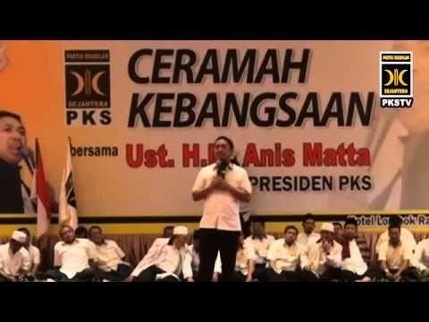 Ceramah Kebangsaan Presiden PKS M Anis Matta, Lc. di hadapan 3.000 kader PKS dan masyarakat NTB di Hotel Lombok Raya, NTB, Ahad (7/4/2013). Kehadiran Anis Matta beserta jajaran DPP PKS dalam rangka konsolidasi untuk pemenangan Pilgub NTB 2013. Hadir dalam acara ini wakil tokoh masyarakat Sasak Muslim, para Tuan Guru, tokoh masyarakat, pengurus D...