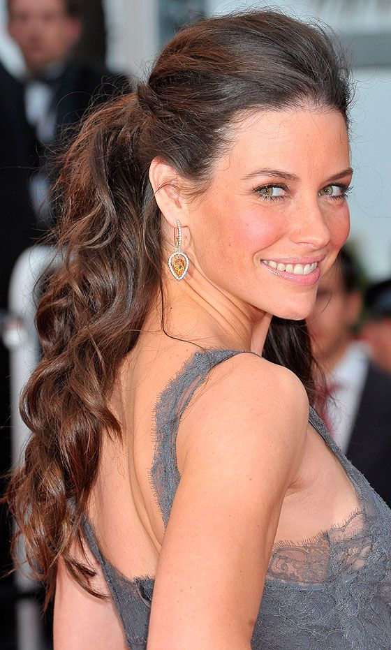 Evangeline Lilly Incorporates Curls Into Her Ponytail During Cannes Film…