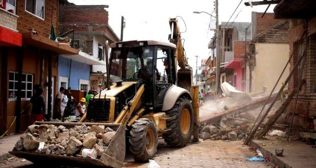 A un mes del sismo del 19-S, Atlixco sigue en ruinas porque el INAH los amenaza con multas de hasta 90 mil pesos si reconstruyen sus viviendas – Metepec Atlixco Puebla