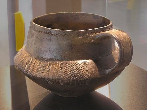An early neolithic mug found in a tumulus at Fischbeker Heide, Neugraben-Fischbek, Hamburg, Germany.