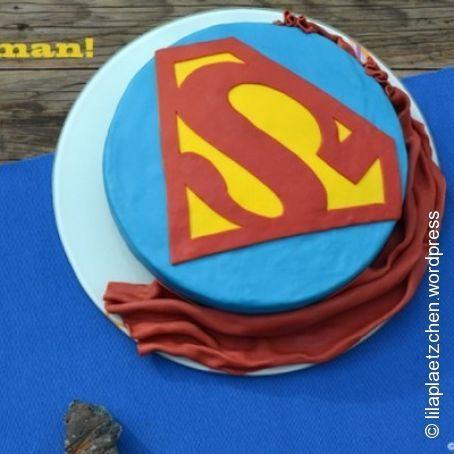pi di 25 fantastiche idee su torte superman su pinterest. Black Bedroom Furniture Sets. Home Design Ideas