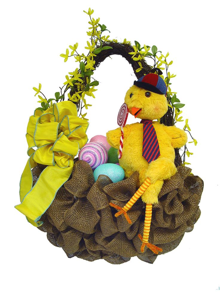 Burlap basket wreath...maybe flowers instead on eggs/chicken