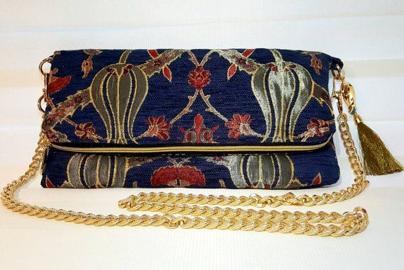 Check out this item in my Etsy shop https://www.etsy.com/listing/493020409/free-dust-bagfoldover-evening-clutch