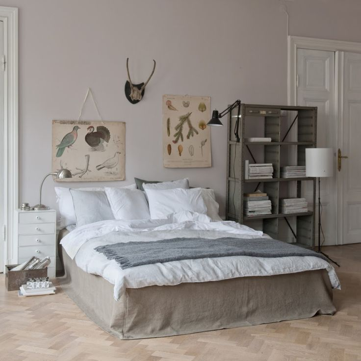 Industrial bedroom. Bemz bedskirt, Loose Fit Urban, in Rosendal Sage Brown. www.bemz.com