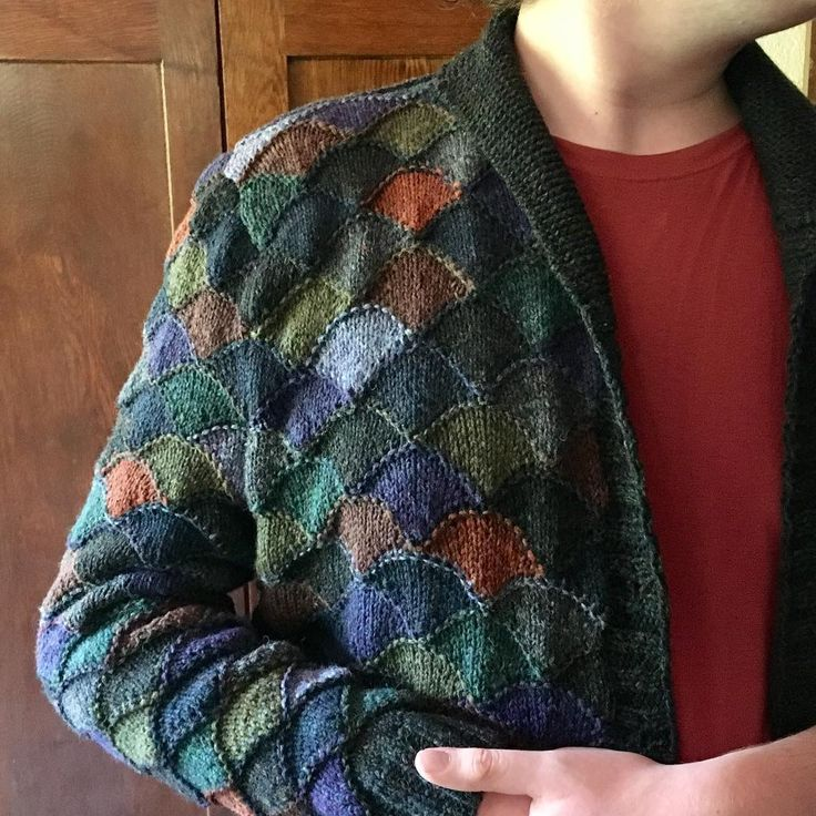 "Julia Farwell-Clay (@farwellclay) on Instagram: ""Sleeve the first: seamed. Reluctant boy model: survived. #redmaynesweater…"""
