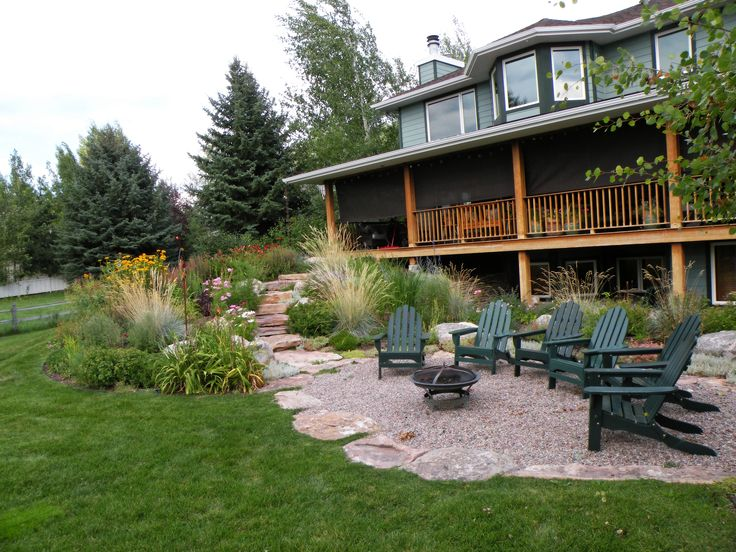 How To Design Charming Landscape Using Pea Gravel Patio: Interesting  Exterior Design With Porch And