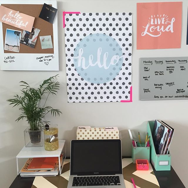 You might even want to do work with a desk this cute | dormify.com