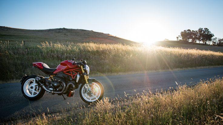Custom Ducati Monster 1200S café racer clipons