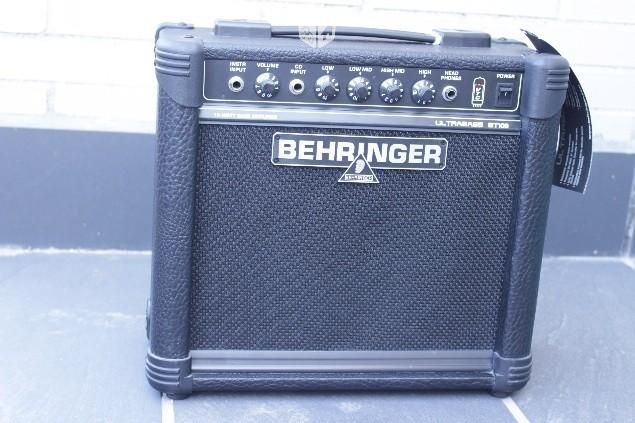 Foto de Amplificador bajo Behringer Ultrabass BT108